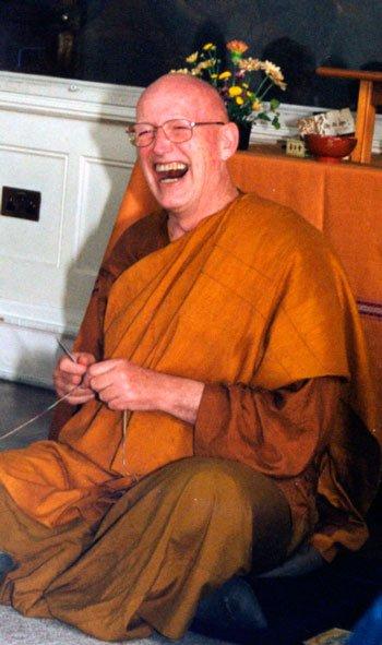Ajahn Sumedho parla del significato della meditazione