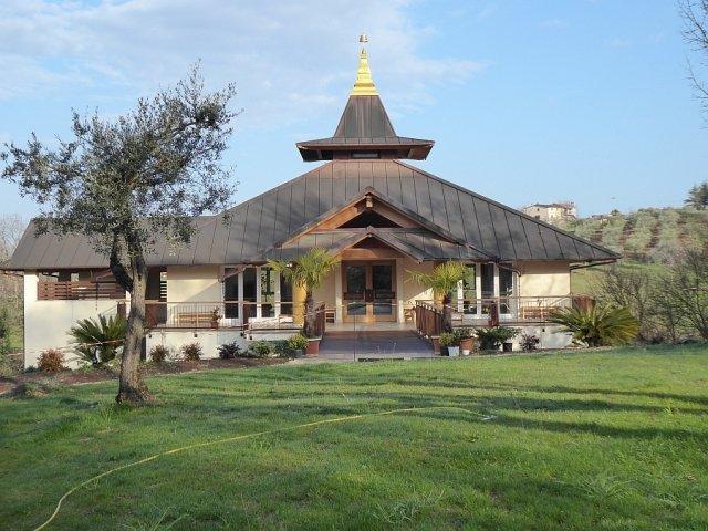 Il tempio del Monastero Santacittarama